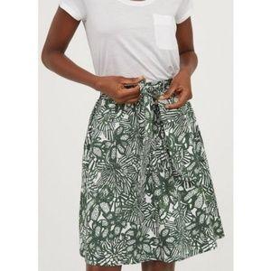 H&M leaf print skirt with tie waist, NWT